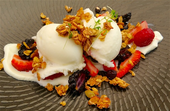 Yoghurt sorbet with muesli praline and berries
